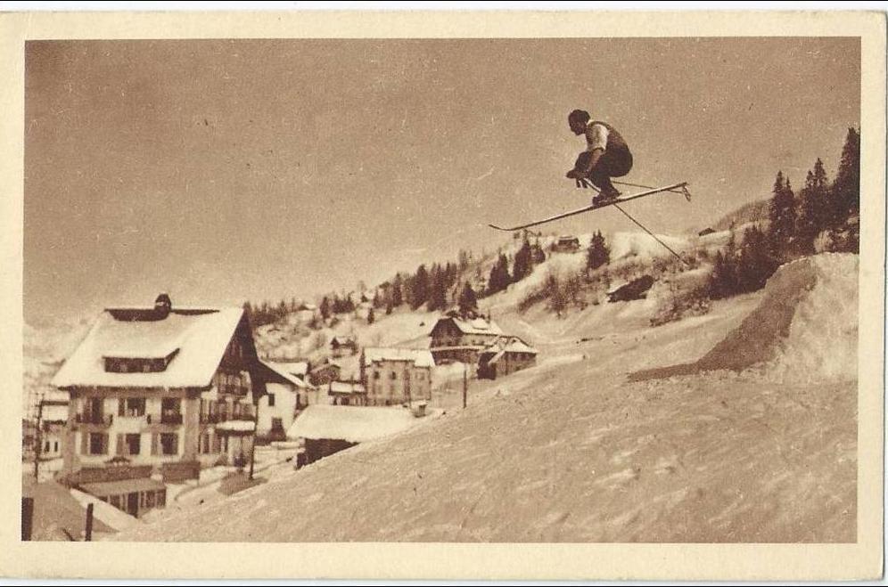 Photos et carte postales anciennes de Megève - Mairie de Megève et sa ville