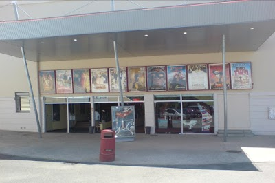 Cinéma Multiplexe Grand Ecran à Libourne - Mairie de Libourne et