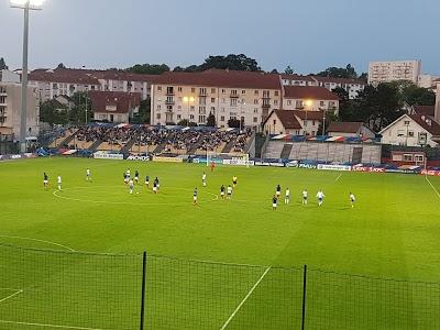 Logo Stade Léo Lagrange